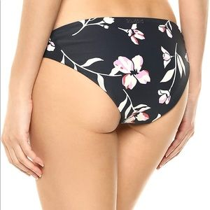 Billabong women's Flow on swim bottoms NWT